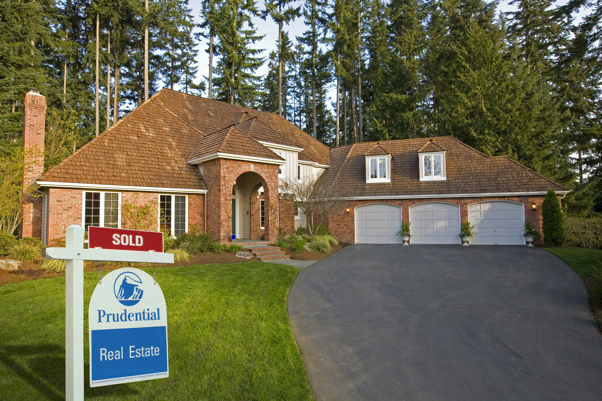 Bank sales in canada not the same as bank foreclosures Canadian houses