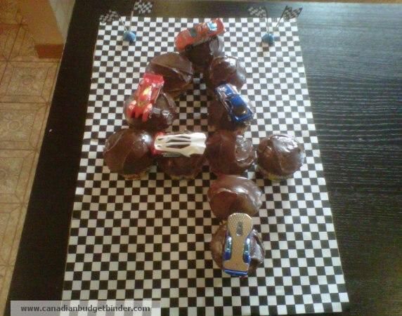 boy-birthday-cake-race-car-track